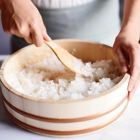 HD-201109-how-to-make-sushi-rice-ss